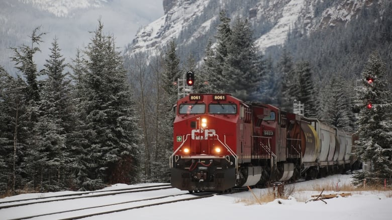 CP Rail leaves mountain train parked without crew or handbrakes near site of deadly 2019 runawaycrash